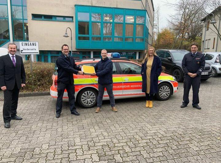Firma CJ Mainfrost Foods GmbH stattet Nidderauer Feuerwehr mit Gaswarngerät aus