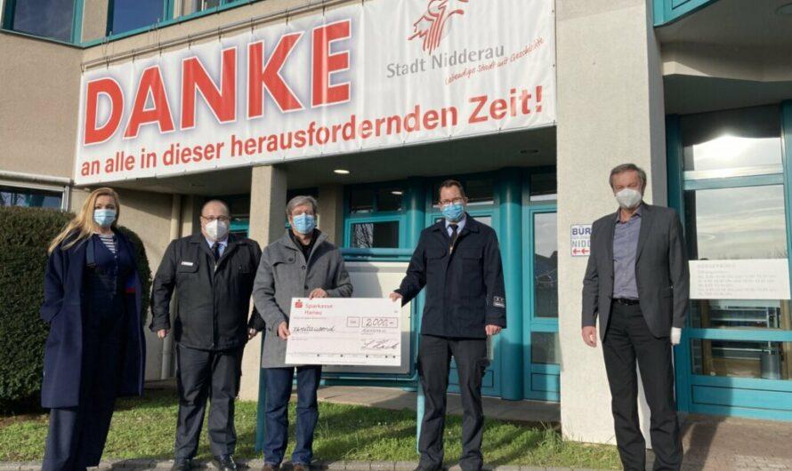 Unternehmensgruppe Hack mit großzügiger Spende für die Jugendfeuerwehr