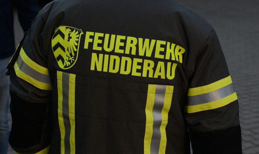Neue hochwertige Einsatzkleidung für die Feuerwehr Nidderau