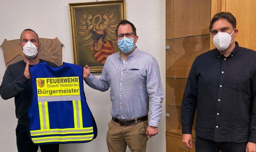 Feuerwehr Nidderau begrüßt neuen Bürgermeister